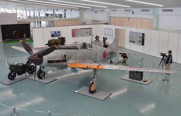 カワサキの情熱と技術力で三式戦闘機「飛燕」を復元! マニアたちの驚きのこだわりとは |dot.(