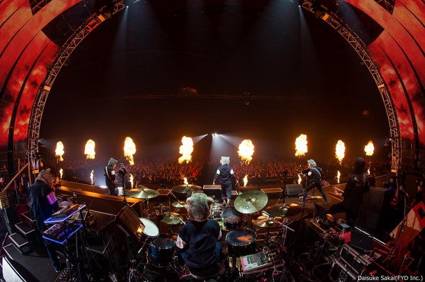 MAN WITH A MISSION【The World's On Fire TOUR 2016】ライブ映像のダイジェスト公開