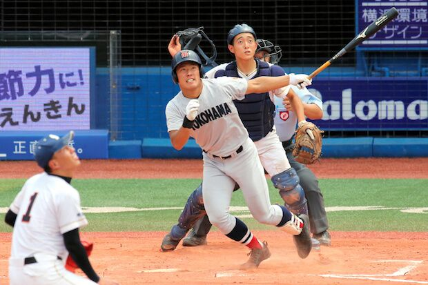 高校ナンバーワン外野手の呼び声高い横浜・増田珠選手(c)朝日新聞社