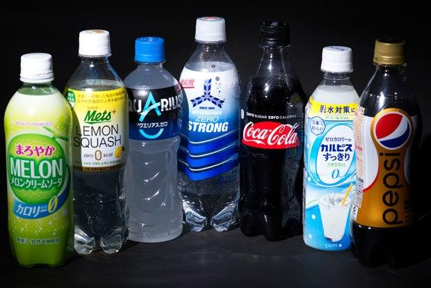 さまざまな飲料で「カロリーゼロ」が謳われている。肥満や糖尿病予防のためであれば、日ごろの食事に気を使った上でこういうものを賢く利用していきたい(撮影/写真部・小山幸佑)