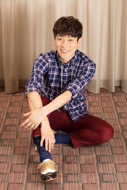 横山だいすけ(よこやま・だいすけ)/1983年、千葉県生まれ。国立音楽大学声楽学科卒業。小学校3年生から大学卒業まで合唱を続ける。大学卒業後に入団した劇団四季では「ライオンキング」などの舞台に出演。2008年から9年間、NHK Eテレ「おかあさんといっしょ」の11代目「うたのお兄さん」を務めた。うたのお兄さんとして、歴代最長出演記録を持っている。今春に番組を卒業したのち、歌手・俳優として活動の幅を広げている。(撮影/写真部・小原雄輝)