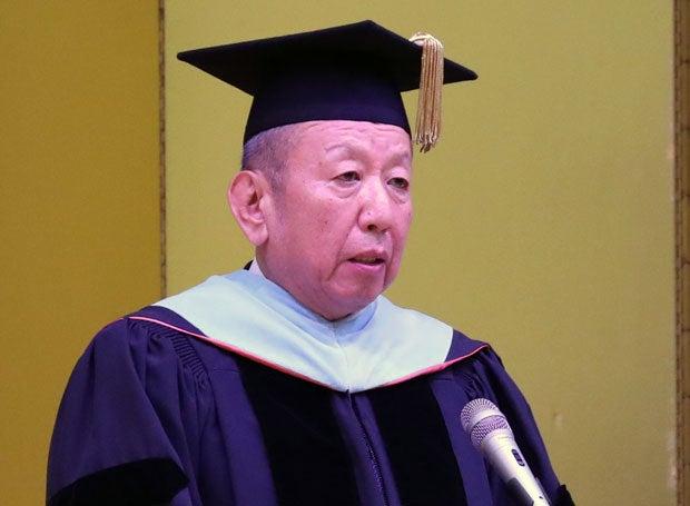 岡山理科大獣医学部の入学式でスピーチした加計孝太郎理事長(c)朝日新聞社
