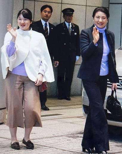 長野県でのスキーから東京に帰ってきた雅子さまと愛子さま