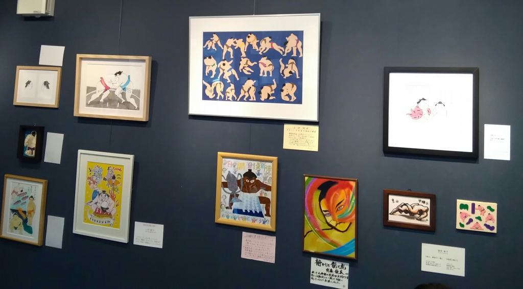 「平成の相撲絵師たち」展は、5月3日~12日(内7,8日はお休み)、午後1時~6時。入場無料。会場は「フリースペース緑壱(東京都墨田区緑1-8-3)