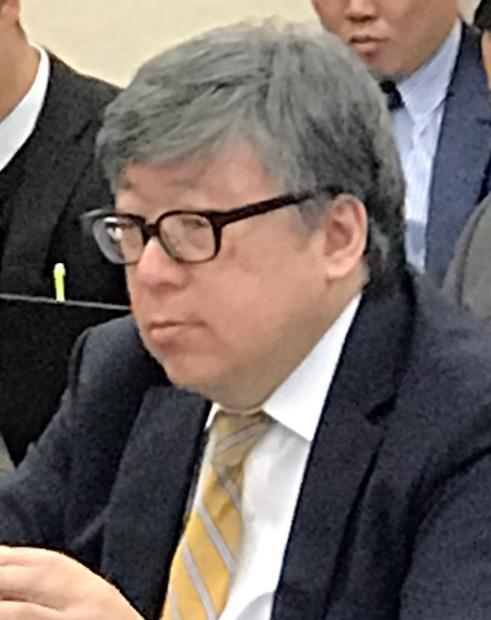 菊池桃子さん再婚発表が煙幕効果? 閣僚辞任ドミノで危機感の