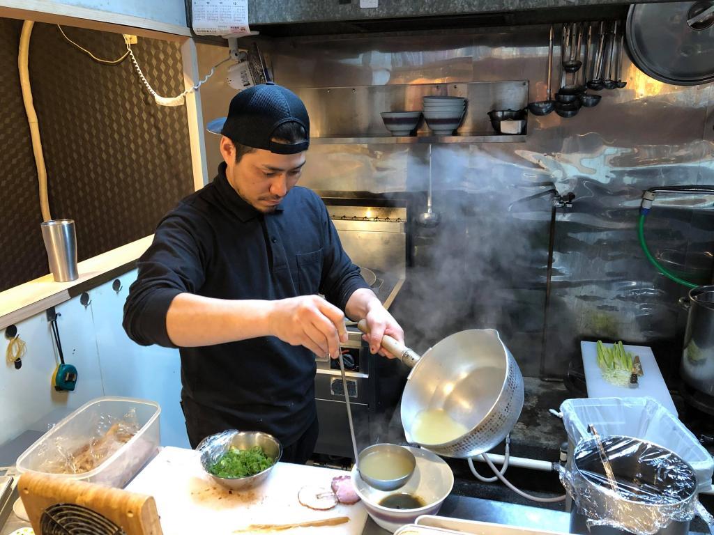 客は1日11人でも 他店研究はしない 矢沢永吉を愛する横浜のラーメン